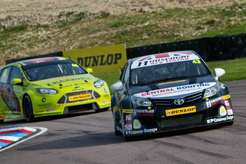 Wood maintains momentum at Thruxton