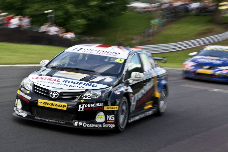WOOD STAYS COOL THROUGHOUT FRANTIC OULTON PARK WEEKEND